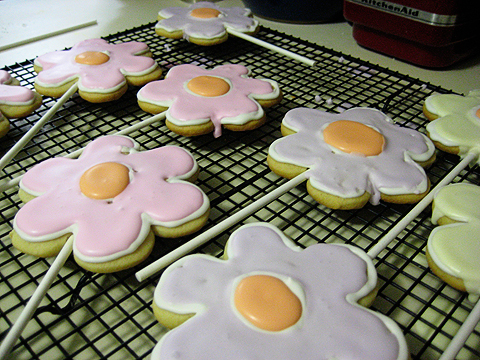Flower-cookie-pops